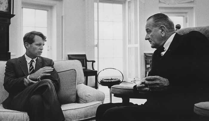 Robert kennedy en Lyndon B. Johnson