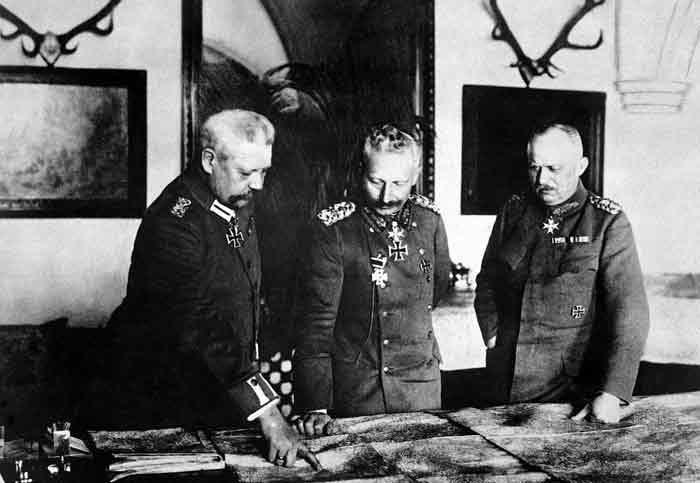 Paul von Hindenburg, Wilhelm II en Erich Ludendorff