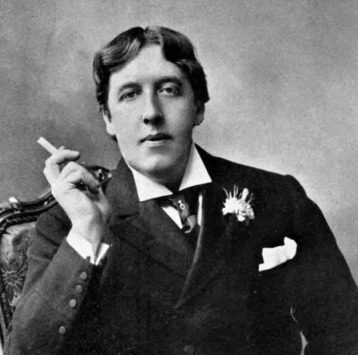 de profundis oscar wilde Oscar wilde was incarcerated in reading prison between 1895 and 1897, enduring the separate system, a harsh penal regime designed to eliminate any contact between prisoners during this period he .