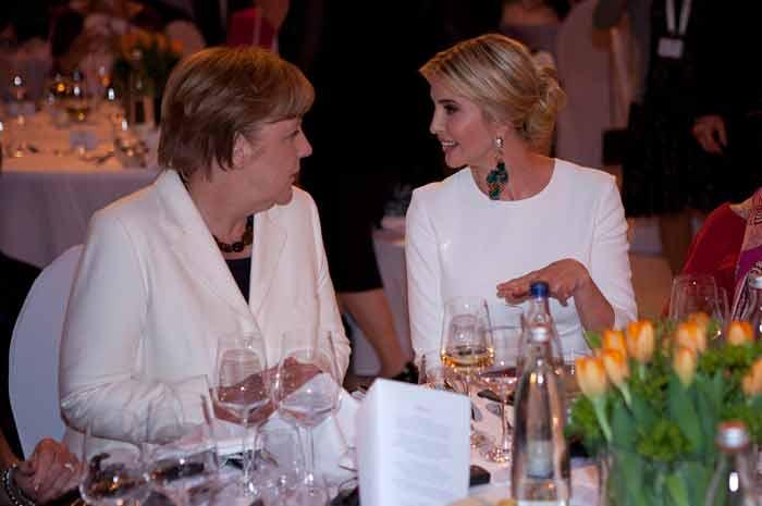 Ivanka Trump en Angela Merkel