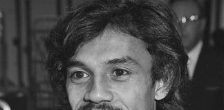 Simon Tahamata - Van der Mee